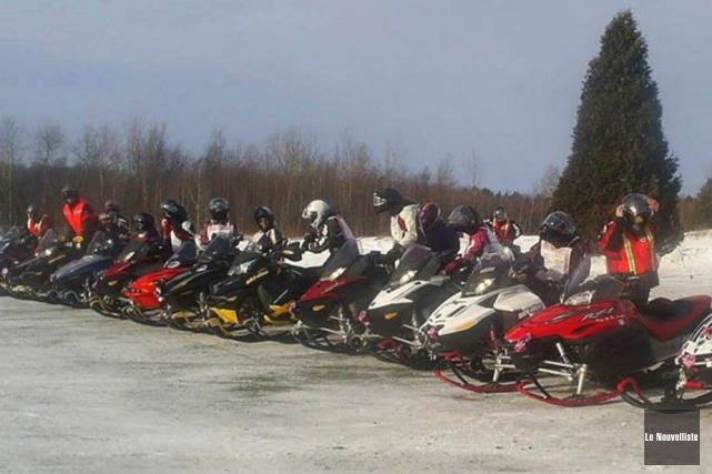 Les femmes motoneigistes de la région sont invitées... (Photo d'archives, Le Nouvelliste)