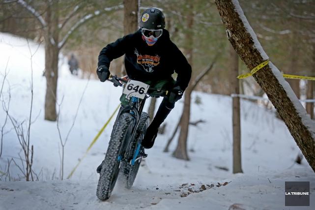 Pour la deuxième édition du VéloNeige de Coaticook tenue samedi au Parc de la... (La Tribune, Maryse Carbonneau)