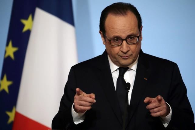 Abonné aux sondages désastreux, devenu le président français... (PHOTO PHILIPPE WOJAZER, ARCHIVES REUTERS)