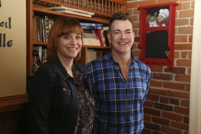 L'esthéticienne Isabelle Larivière et le dermothérapeute Éric Beaulac... (photo Janick Marois)