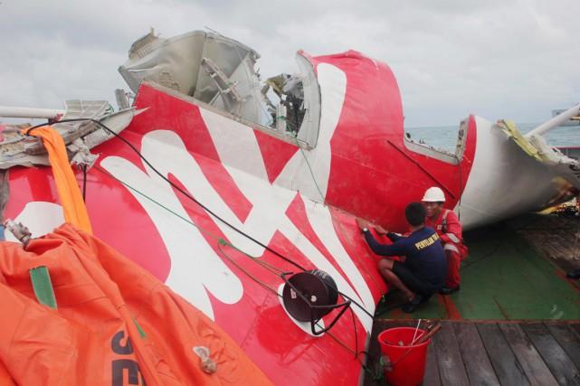 L'avion d'AirAsia s'est abîmé en mer avec 162... (PHOTO ARCHIVES AFP)
