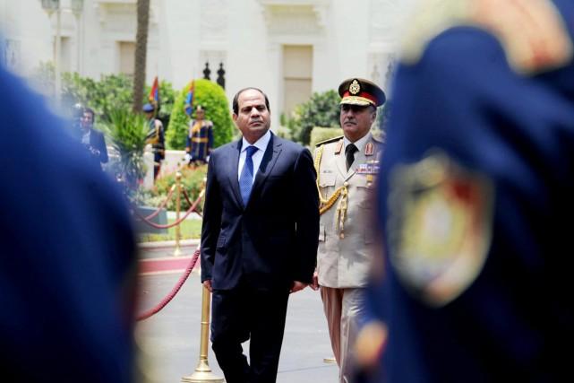 Depuis qu'il a destitué l'islamiste Mohamed Morsi en... (PHOTO ARCHIVES AP/MINA)