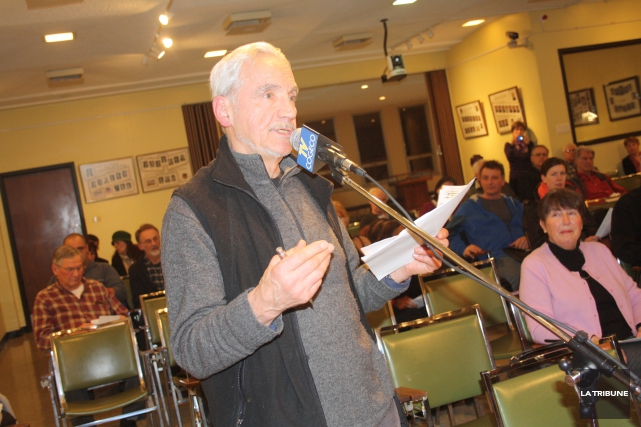 Jean-Claude Morin est électricien et porte-parole du groupeMagogrefuse.... (La Tribune, Jean-François Gagnon)