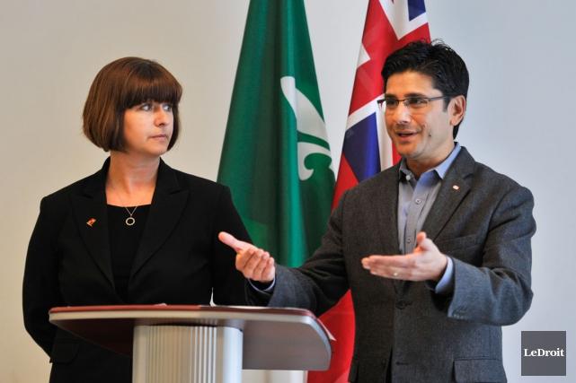 Les députés d'Ottawa-Orléans, Marie-France Lalonde et d'Ottawa-Centre, Yasir... (Martin Roy, Archives LeDroit)