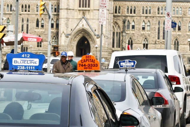 L'industrie du taxi ottavienne réplique à Uber et... (Patrick Woodbury, Archives LeDroit)