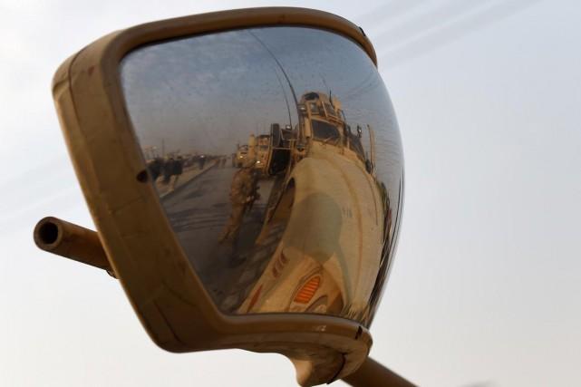 Les deux hommes auraient attaqué des soldats américains... (PHOTO WAKIL KOHSAR, ARCHIVES AFP)