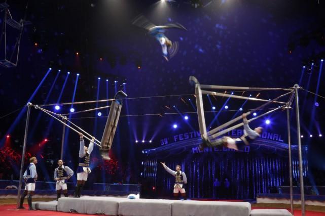 Une troupe russe au Festival international du cirque... (Photo Sebastien Nogier, Archives AP)