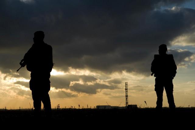 La plupart de ces anciens militaires combattent dans... (PHOTO KENZO TRIBOUILLARD, ARCHIVES AFP)