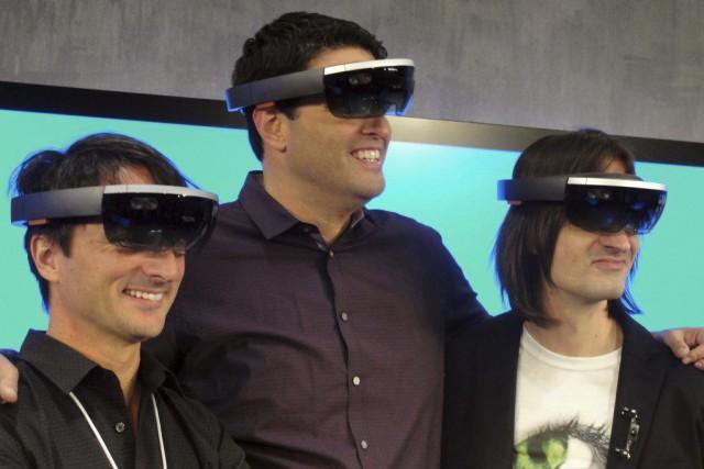 Les capacités liées aux hologrammes des HoloLens seront... (PHOTO GLENN CHAPMAN, AFP)