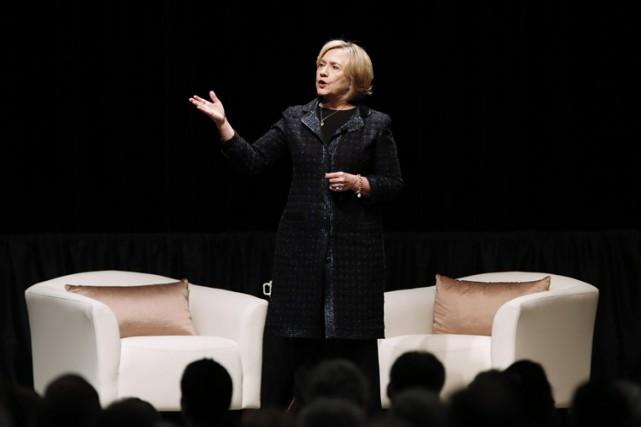 Hillary Clinton a prononcé lundi un discours devant... (Photo: PC)