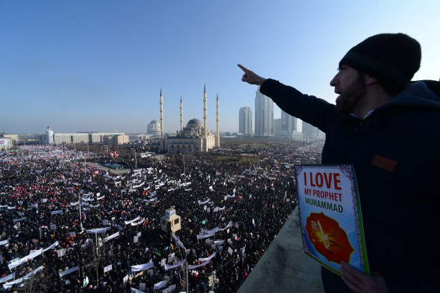 Une manifestation monstre contre Charlie Hebdo a eu... (Photo Musa Sadulayev, Associated Press)