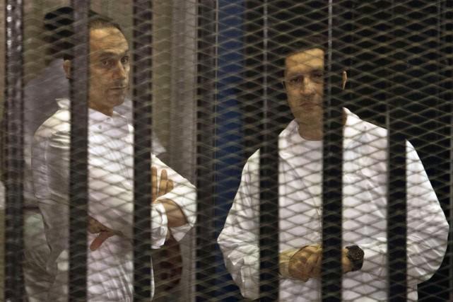 Leur avocat Farid al-Deeb a indiqué à l'AFP... (PHOTO KHALED DESOUKI, ARCHIVES AFP)