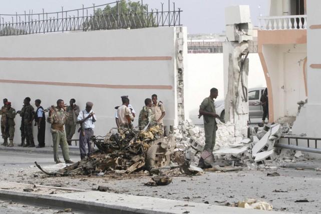 «Cinq personnes ont été tuées dans l'attaque, dont... (PHOTO FEISAL OMAR, REUTERS)