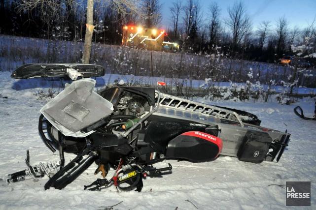 Un motoneigiste a subi des blessures très sérieuses dans la nuit de mercredi à... (Photo collaboration spéciale Éric Beaupré)