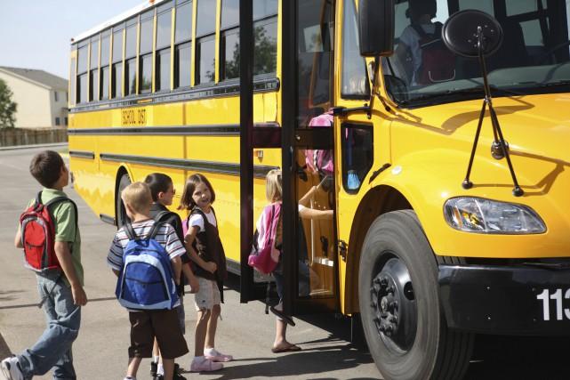 Des écoles organisent des sorties coûteuses plusieurs fois... (Photo Thinkstock)