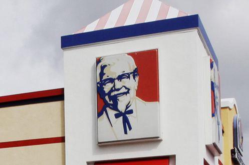 La chaîne américaine KFC (Kentucky Fried Chicken), filiale du groupe Yum... (Photo Reed Saxon, archives AP)