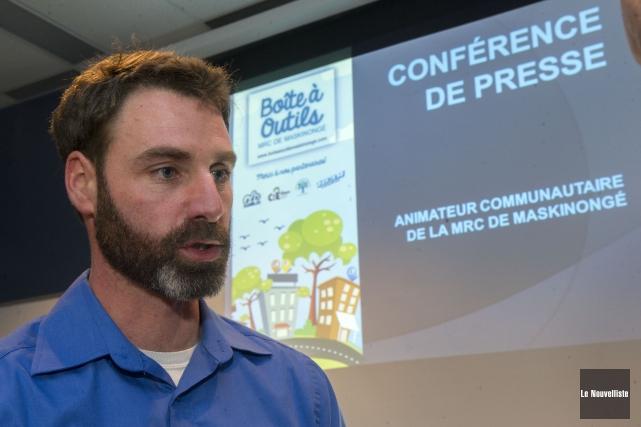 Sébastien Rochefort est l'animateur communautaire de la MRC... (Photo: Stéphane Lessard Le Nouvelliste)