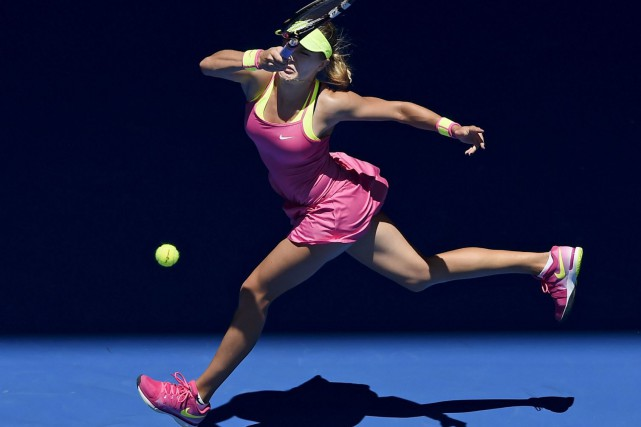 Eugenie Bouchard a défait la française Caroline Garcia... (AP, Andy Brownbill)