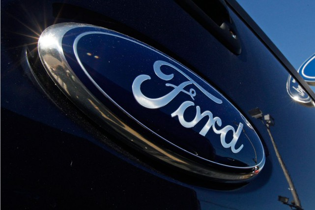 Le constructeur automobile américain Ford va investir près de 2 milliards de... (PHOTO ARCHIVES ASSOCIATED PRESS)