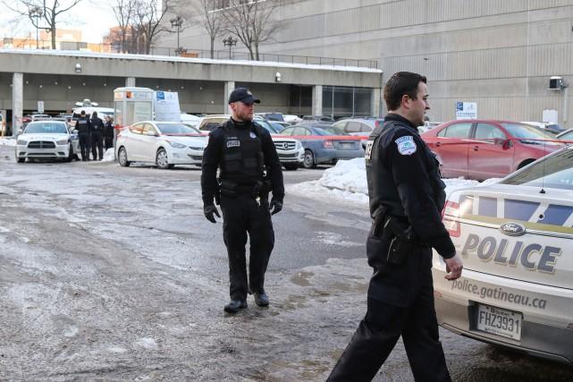 Deux hommes en possession de fausses armes ont... (Patrick Woodbury, LeDroit)