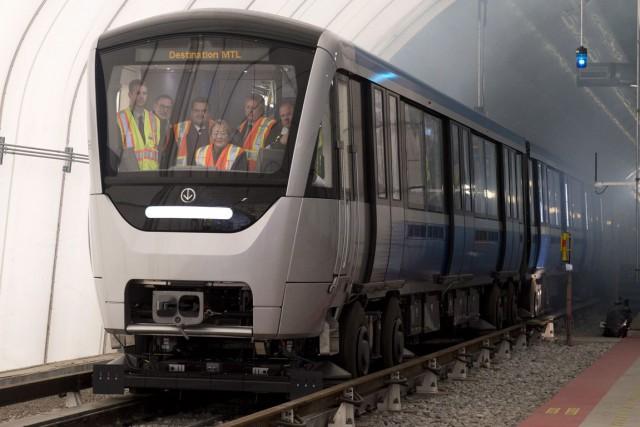 Les nouvelles voitures du métro de Montréal, fabriquées... (PHOTO JACQUES BOISSINOT, ARCHIVES PC)