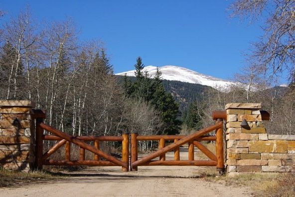 L'entrée du ranch aujourd'hui.... (PHOTO TIRÉE DE FACEBOOK/CARIBOU RANCH RECORDING STUDIO)