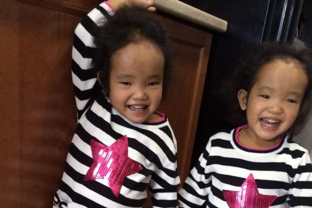 Les jumelles étaient âgées de 18 mois lorsqu'elles... (PHOTO ARCHIVES LA PRESSE CANADIENNE)