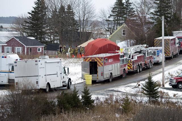 L'ordre d'évacuation de la route Dyke, prononcé mardi,... (PHOTO ANDREW VAUGHAN, LA PRESSE CANADIENNE)