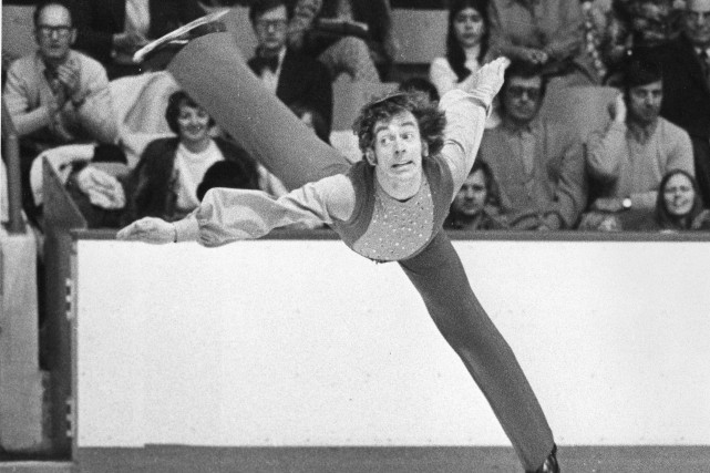 Toller Cranston en 1974... (PHOTO DOUG BALL, LA PRESSE CANADIENNE)