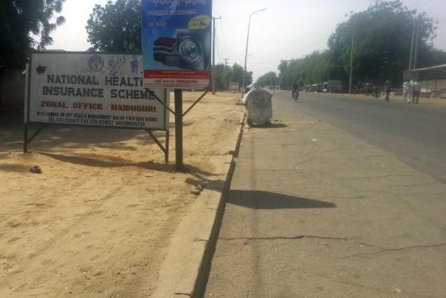 Une rue presque déserte après les affrontements àMaiduguri.... (PHOTO JOSSY OLA, AP)