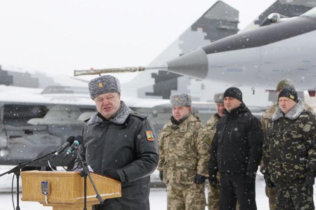 Le président ukrainien Petro Poroshenko... (PHOTO VALENTYN OGIRENKO, ARCHIVES REUTERS)