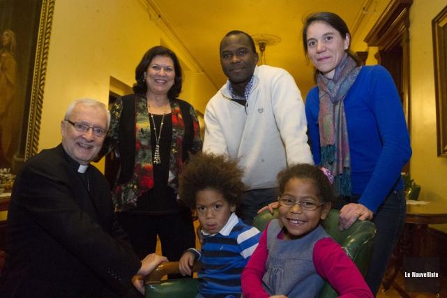 Mgr Luc Bouchard, évêque de Trois-Rivières, Lise Filteau,... (Photo: Stéphane Lessard, Le Nouvelliste)