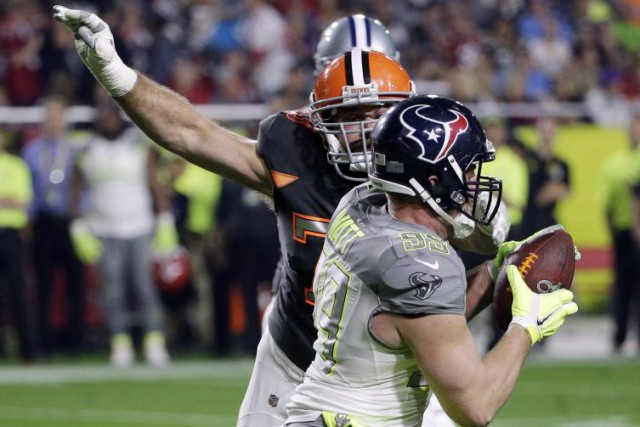 L'ailier défensif des Texans de Houston J.J. Watt... (Photo David J. Phillip, AP)