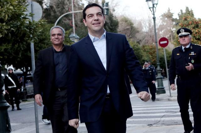 Alexis Tsipras, 40 ans, dirigeant de la gauche... (PHOTO ANGELOS TZORTZINIS, AFP)