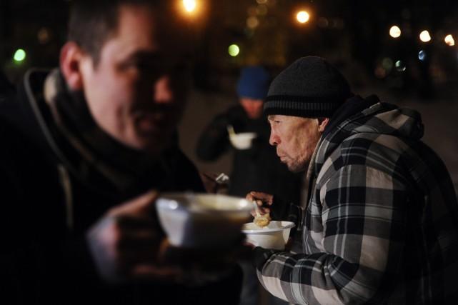 Les solutions offertes aux Russes par un député... (PHOTO OLGA MALTSEVA, AFP)