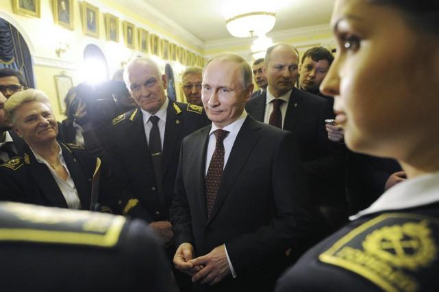 Vladimir Poutine accuse l'OTAN de se servir de... (PHOTO MIKHAIL KLIMENTYEV, REUTERS/RIA NOVOSTI)