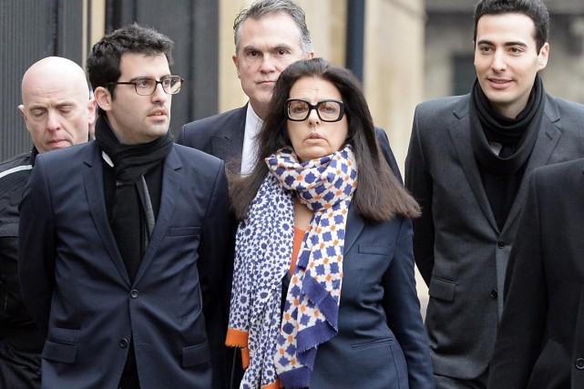 La fille de Liliane, Françoise Meyers-Bettencourt, arrive au... (PHOTO JEAN-PIERRE MULLER, AFP)