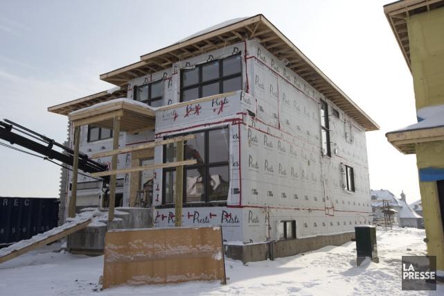 La future maison-témoin de Presti Demeures, en construction... (Photo François Roy, La Presse)