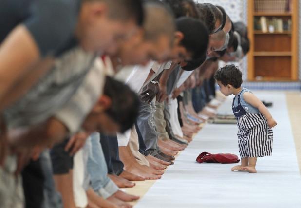 Les musulmans ne représentent qu'environ 8% de la... (Photo Vincent Kessler, archives Reuters)