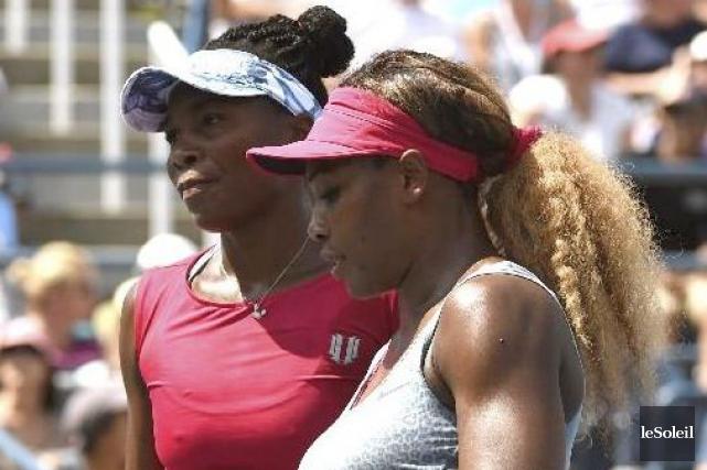 Les soeurs Venus et Serena Williams.... (Photothèque Le Soleil)