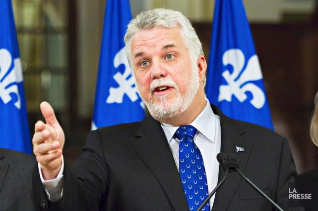 Le premier ministre Philippe Couillard est mal à... (Archives La Presse Canadienne)