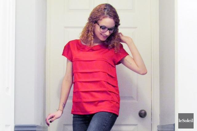 Cherchant en vain un haut rouge en magasin,... (Photothèque Le Soleil)