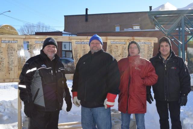 Les travailleurs des scieries de La Doré, Girardville,... ((Photo Louis Potvin))