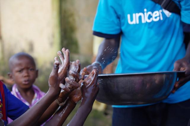 L'ampleur de l'épidémie de fièvre Ebola - notamment... (PHOTO TIMOTHY LA ROSE, REUTERS)