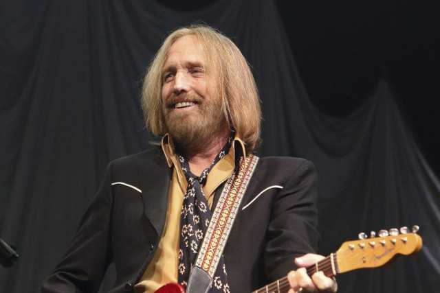 Tom Petty... (PHOTO ARCHIVES AP)