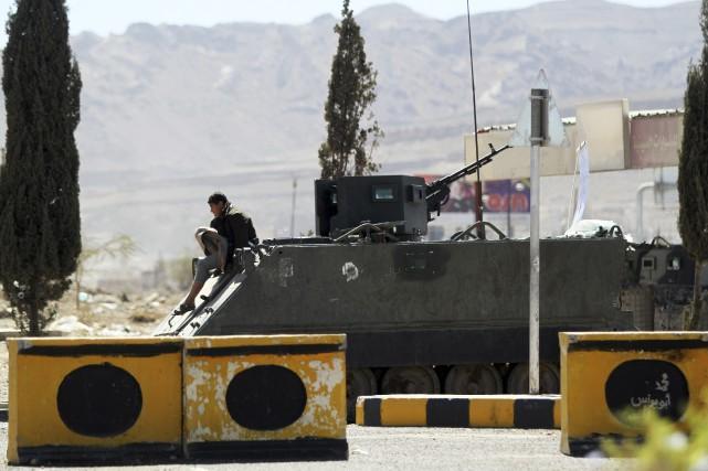 La base militaire capturée jeudi était contrôlée par... (PHOTO KHALED ABDULLAH, REUTERS)