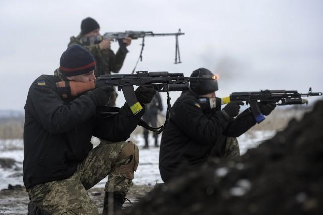 Sur le terrain, les combats ont gagné en... (PHOTO MAKSIM LEVIN, REUTERS)