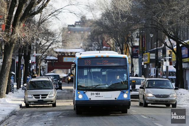 Deux méfaits ont été menés contre deux autobus de la Société de transport de... (Photo Martin Chamberland, archives La Presse)