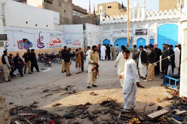 L'attentat de vendredi contre une «imambargah», nom donné... (PHOTO FIDA HUSSAIN, AFP)