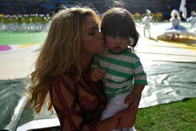 Shakira et son fils aîné Milan, en juillet... (PHOTO ODD ANDERSEN, ARCHIVES AFP)